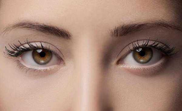267b96e5e عملية تغيير لون العين جراحيا عن طريق زرع قزحية ملونه اصطناعية داخل العين
