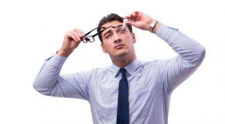 Can dry eyes cause blurred vision